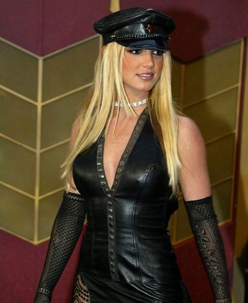 Бритни Спирс 2002 оны MTV Video Music Awards ёслолын үеэр