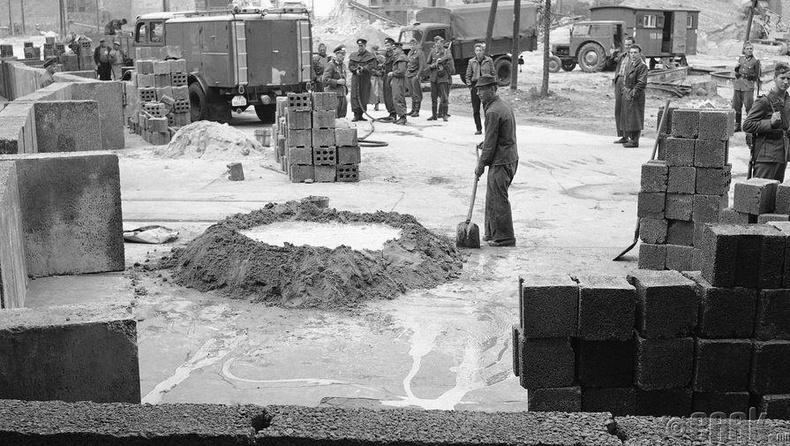 Берлины ханын барилгын ажил, 1961 оны 8 сарын 18