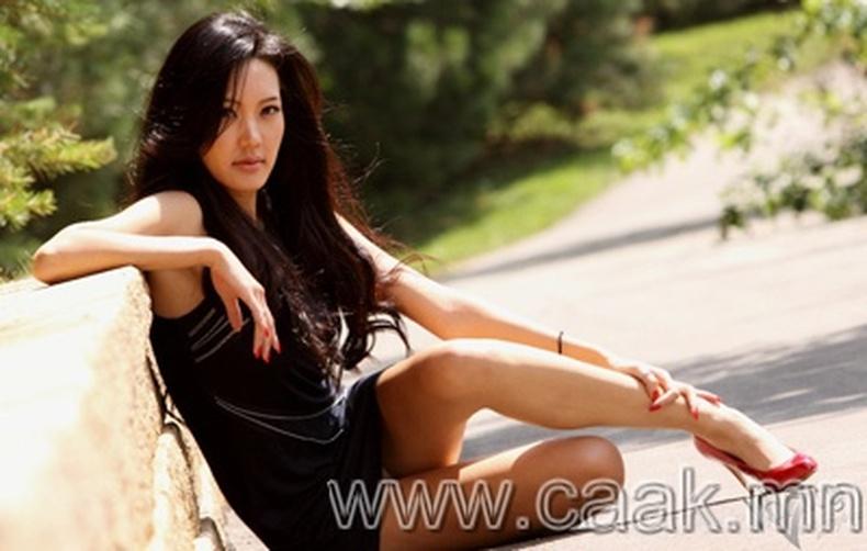 Монголын vзэсгэлэнт охид (90 фото) №104