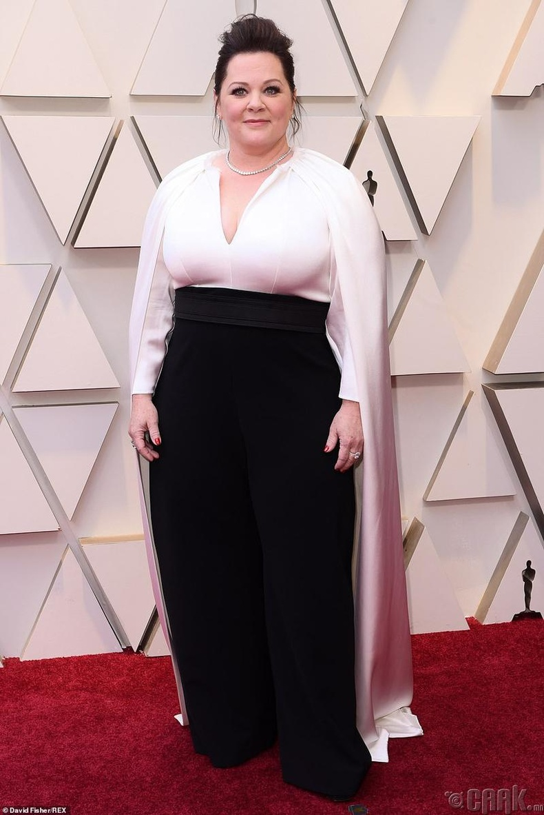 Шилдэг гол дүрийн эмэгтэй жүжигчинд нэр дэвшсэн Меллиса Макарти (Melissa McCarthy)