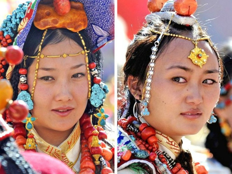 Түвэд (Tibet) бүсгүйчүүд