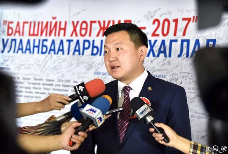 """УИХ-ийн гишүүн Н.Учрал: """"Багшийн хөгжлийн асуудал бол Монголын хөгжлийн асуудал"""""""