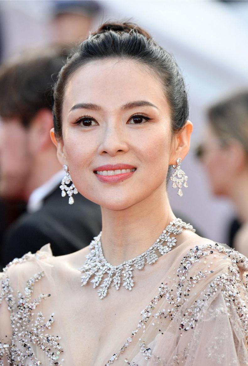 Жан Зыи (Zhang Ziyi), 41 нас