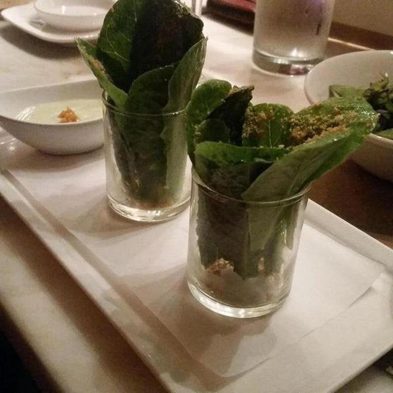 16 долларын цезарь салат гэнэ.