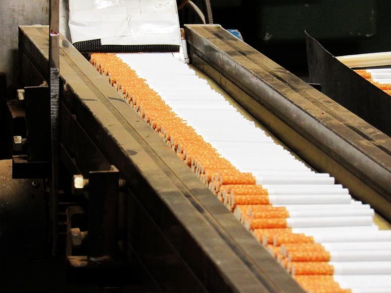 """""""Тамхины компани өөрийн хамгийн үнэнч үйлчлүүлэгчдээ хөнөөдөг бол бэлгэвчний компани өөрсдийн ирээдүйн үйлчлүүлэгчдээ хөнөөдөг"""""""