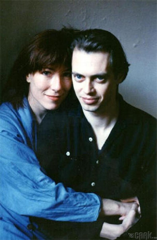 Стив Бускеми, эхнэр Жо Андресын хамт, 1990 он