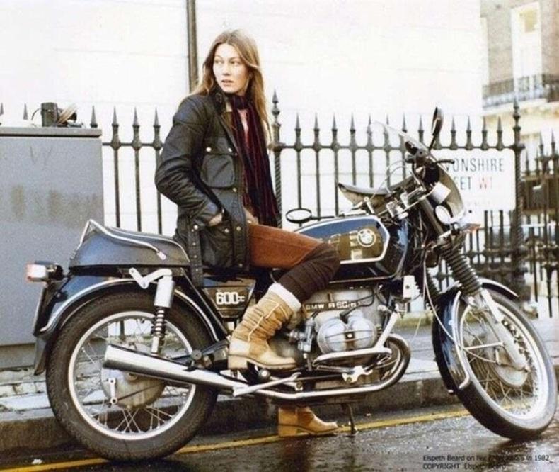 Мотоциклоор дэлхийг тойрсон анхны англи эмэгтэй Elspeth Beard - 1980-аад он