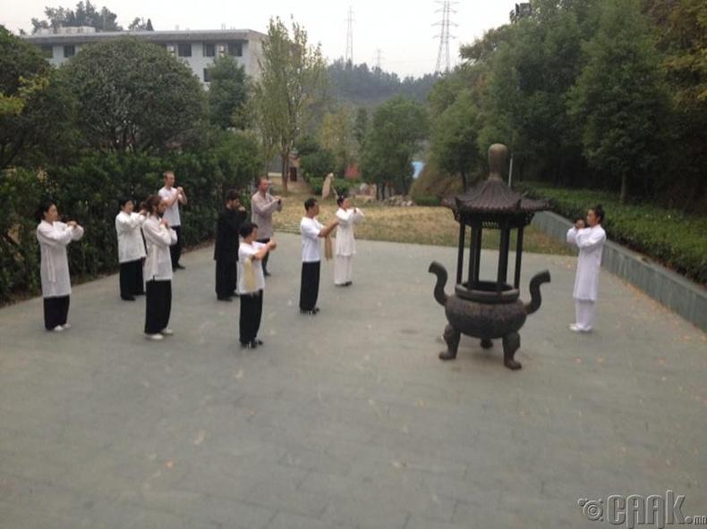 Хятад хүн бүр Кун-Фу мастерууд биш