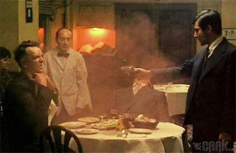"""""""Загалмайлсан эцэг"""" - Рестораны хэсэг"""