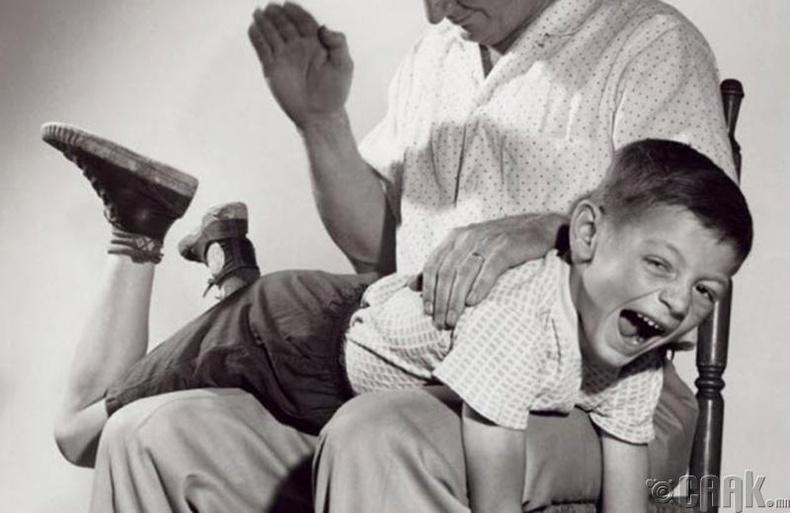 Хүүхэд байхдаа зодуулдаг байсан бол