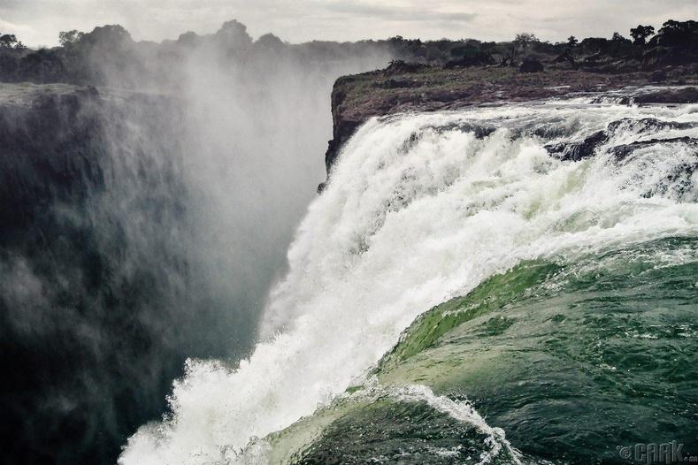 Замби улсын Виктория хүрхрээ