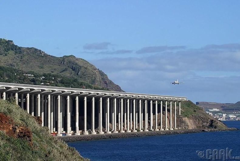 """""""Мадейра"""" нисэх онгоцны буудал, Португал"""