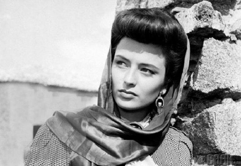 Түүхэн кинонуудаараа алдартай Марина Берти