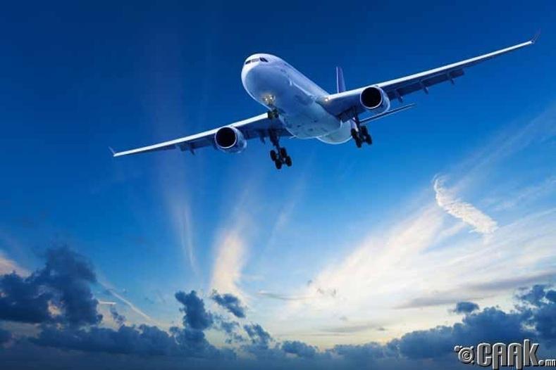 Онгоцонд усаа татахад миний өтгөн хаашаа явдаг вэ?