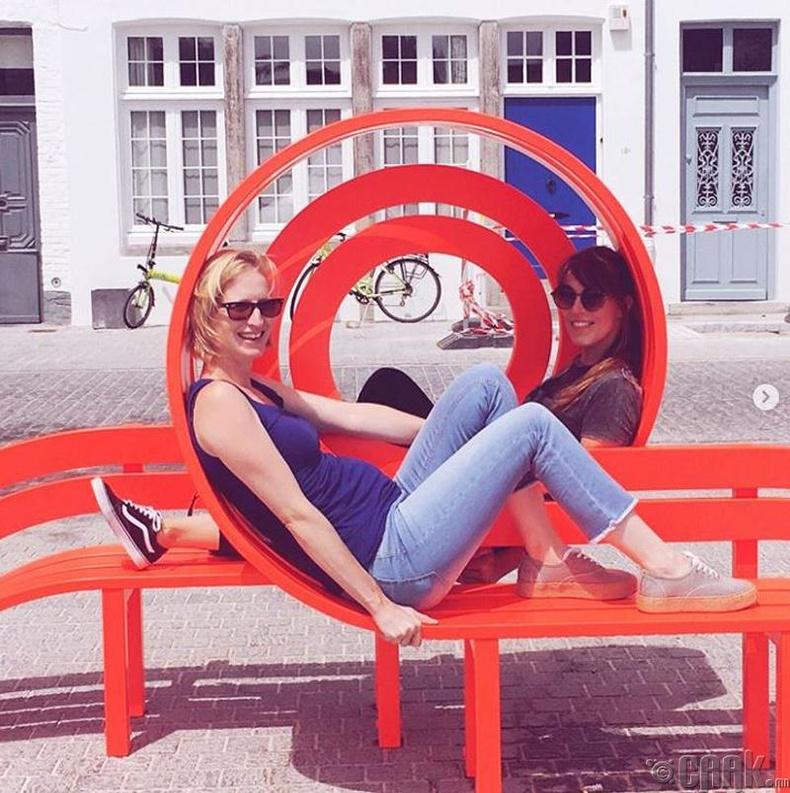 Европын хотууд дахь өвөрмөц гудамжны сандал