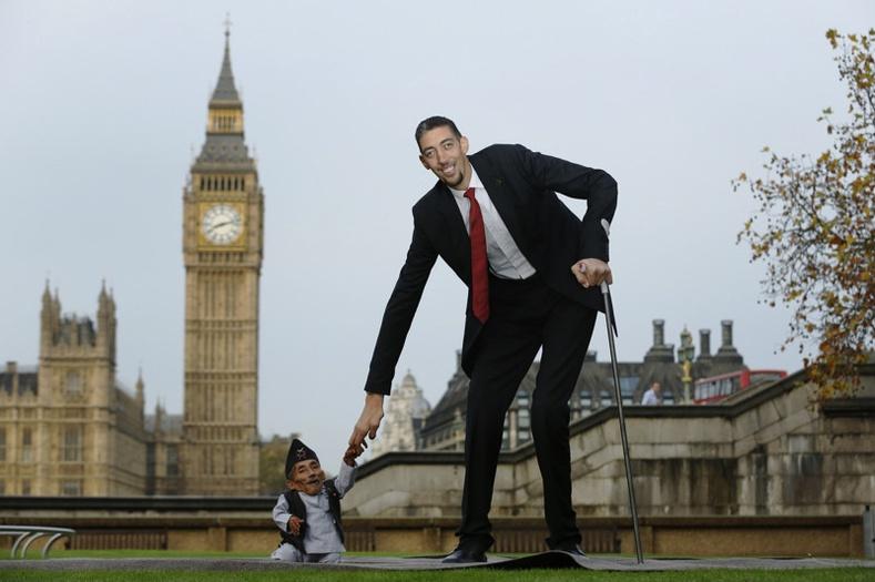 Дэлхийн хамгийн өндөр ба намхан хүн