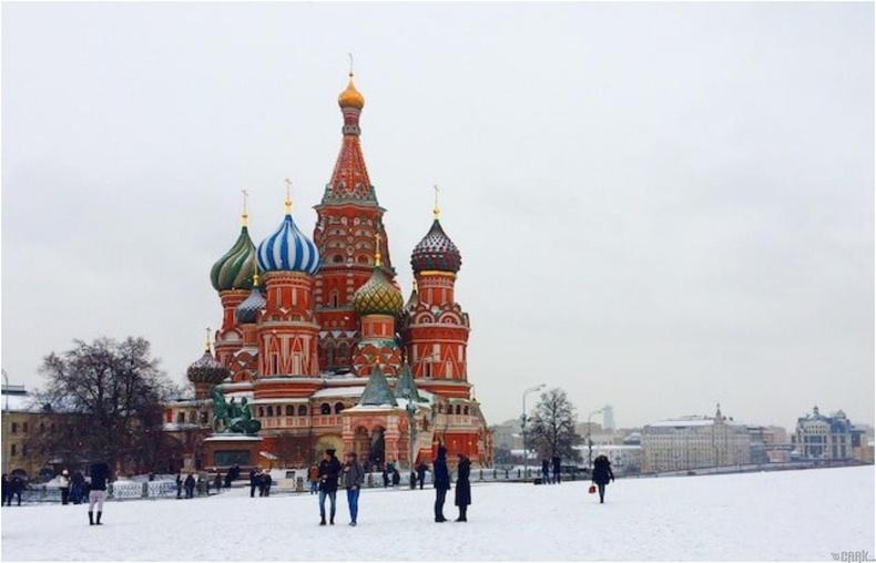 Орос улсад үндэснийх нь соёл уламжлалтай зэрэгцэн Францын соёл оршин тогтнодог