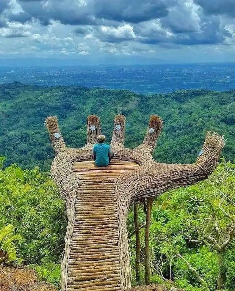 Индонези дахь бясалгал хийхэд төгс цэг