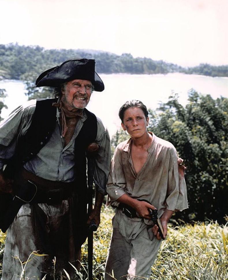 """Жүжигчин Кристиан Бэйл (Christian Bale) """"Эрдэнэсийн арал"""" киноны зураг авалтын үеэр - 1990 он"""
