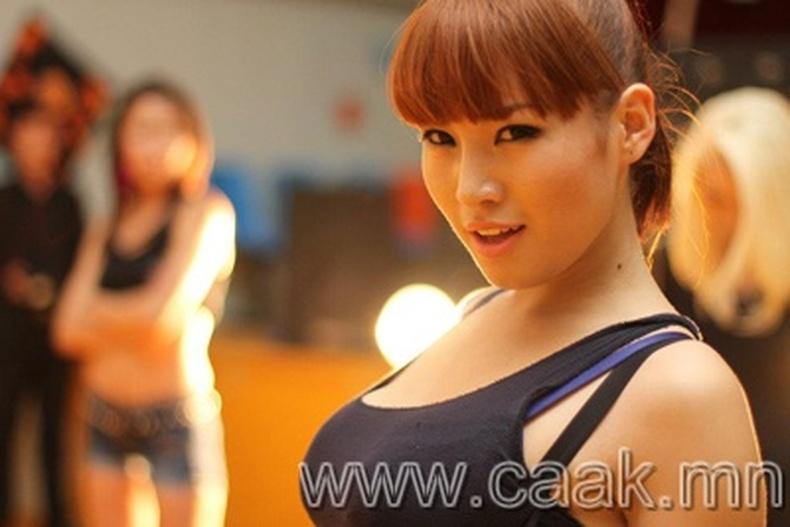 Монголын vзэсгэлэнт охид (86 фото) №117