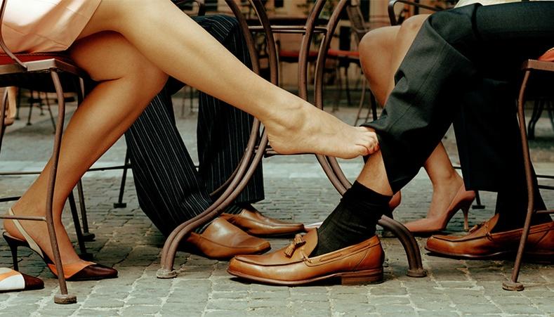 Ямар салбарын эрчүүд эхнэрээ араар нь тавих өндөр магадлалтай вэ?
