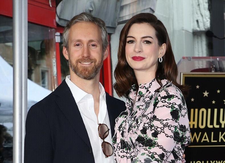 Жүжигчин Энн Хэтэуэй (Anne Hathaway)-н нөхөр Адам Шулман (Adam Shulman)
