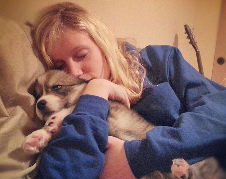 Бүсгүй, нохой хоёрын гайхалтай түүх