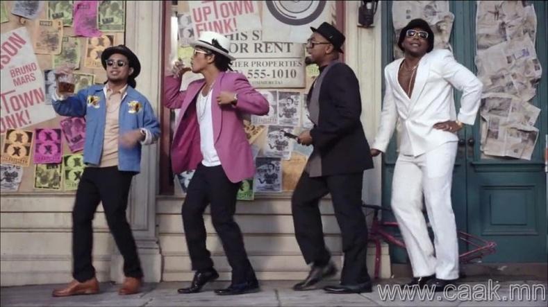 "Mark Ronson ft Bruno Mars – ""Uptown Funk"""