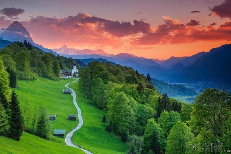 Гармиш-Партенкирхен (Garmisch-Partenkirchen), Бавари муж, Герман