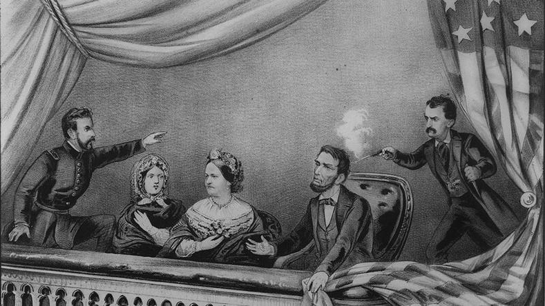 Абрахам Линкольн алуулахаасаа хэдхэн цагийн өмнө Америкийн Нууц албыг байгуулжээ