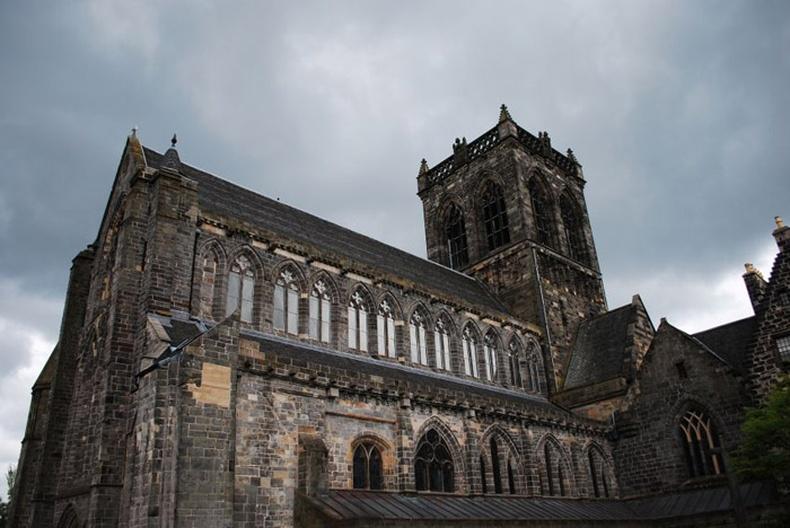 Шотландын сүмээс олдсон ховор олдвор