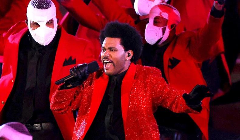 """55 дахь удаагийн """"Super Bowl"""" тоглолтын завсарлагааны шоуг The Weeknd чимлээ (30 фото)"""