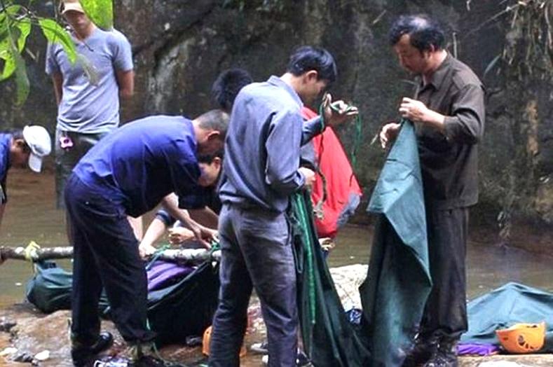 Гурван жуулчин Вьетнамын хүрхрээнд унаж нас баржээ