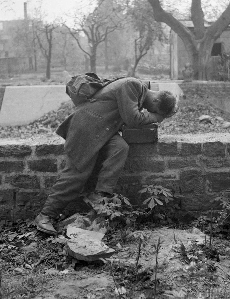 Олзлогдсон Герман цэрэг суллагдан ирэхэд гэр нь балгас болсон байв, 1946 он