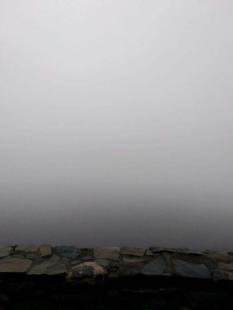 Унтах нойроо хугаслан байж 3000 метр өндөр оргилд авирч гараад нар мандахыг харах гэтэл: