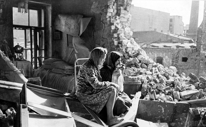 """""""Ленинградын бүслэлт"""", 1941-1944 он (1.12 сая хүн амиа алдсан)"""