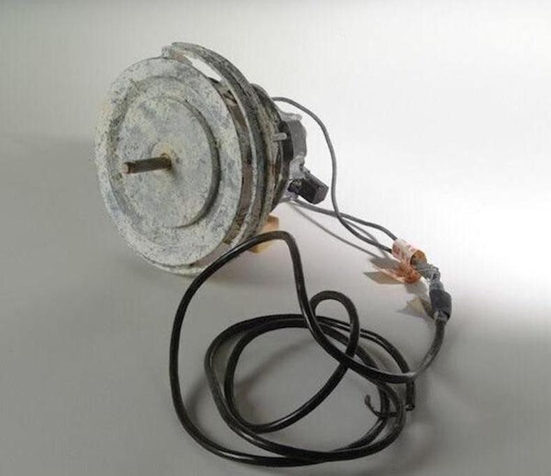 Хоригдлууд тоос сорогчийн мотор ашиглан өрөм бүтээж, шоронгийн ханыг цоолсон гэнэ.
