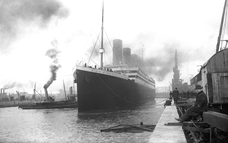 Титаник онгоцны түүхийг өгүүлэх маш ховор гайхалтай гэрэл зургууд