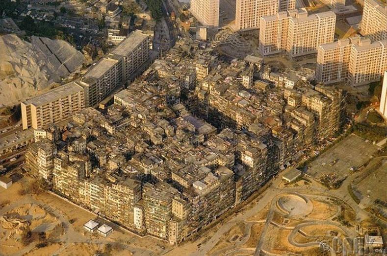 """""""Гахайн Хорооны Гудамж"""" бол Хятадын Коулун хотод тавигдсан жүжгийн нэр юм"""