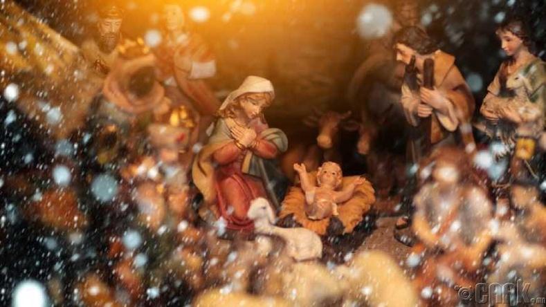 Бид бодохдоо: Есүс арван хоёрдугаар сарын 25-нд төрсөн