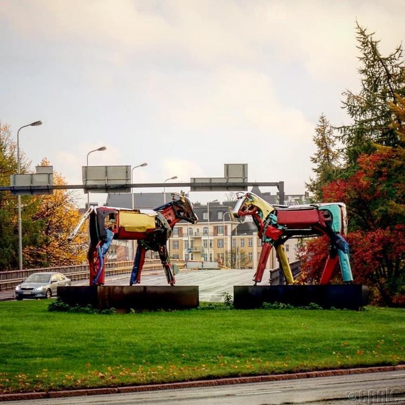 Машины эд ангиар хийсэн хөшөө - Хельсинки хот, Финланд