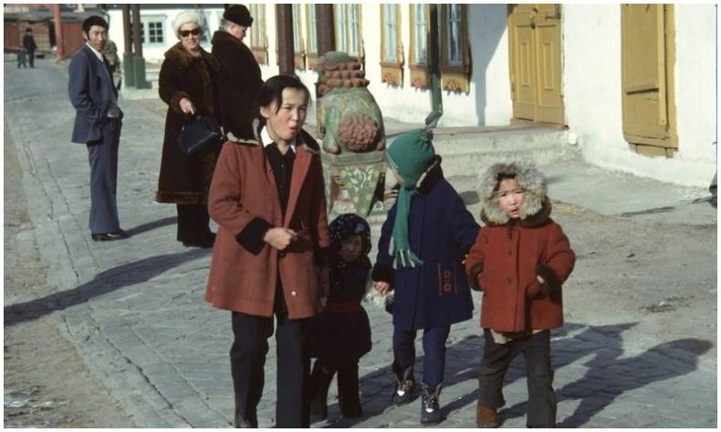"""""""45 жилийн өмнөх Улаанбаатар"""" - Монголын төрх Бельгийн дипломатч Тьерри де Грубены нүдээр..."""