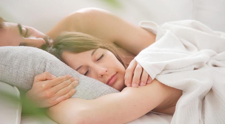 Чармай нүцгэн унтахын давуу талууд