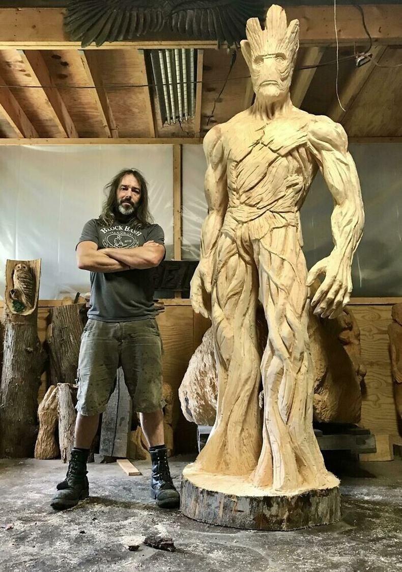 """""""Грүүт""""-ийн аварга модон сийлбэр"""