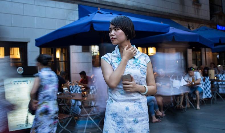 """Ганц бие хятадуудын үйлчлүүлдэг """"Хайрын зах""""-д юу болдог вэ?"""
