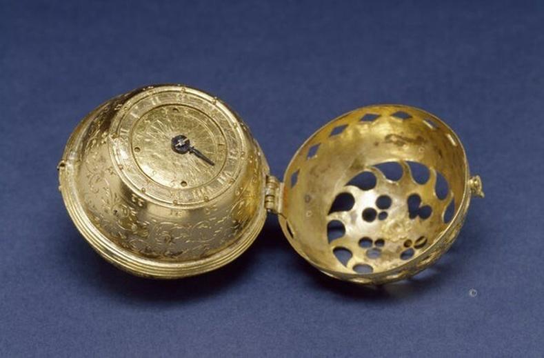 Анхны механик цаг - 1530 онд хийгдсэн