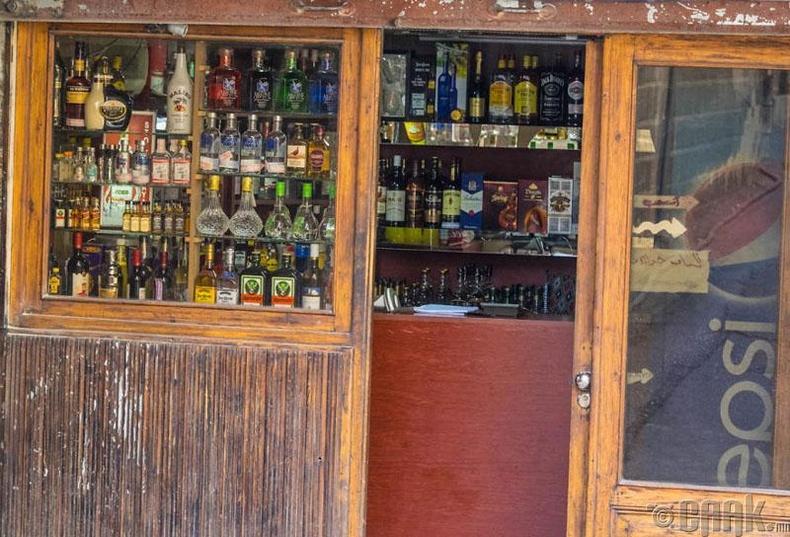 Согтууруулах ундаа худалдаалах дэлгүүрүүд хаа сайгүй байдаг