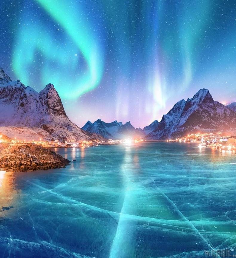 Туйлын туяа нуурын мөстэй өнгө хоршино - Норвеги