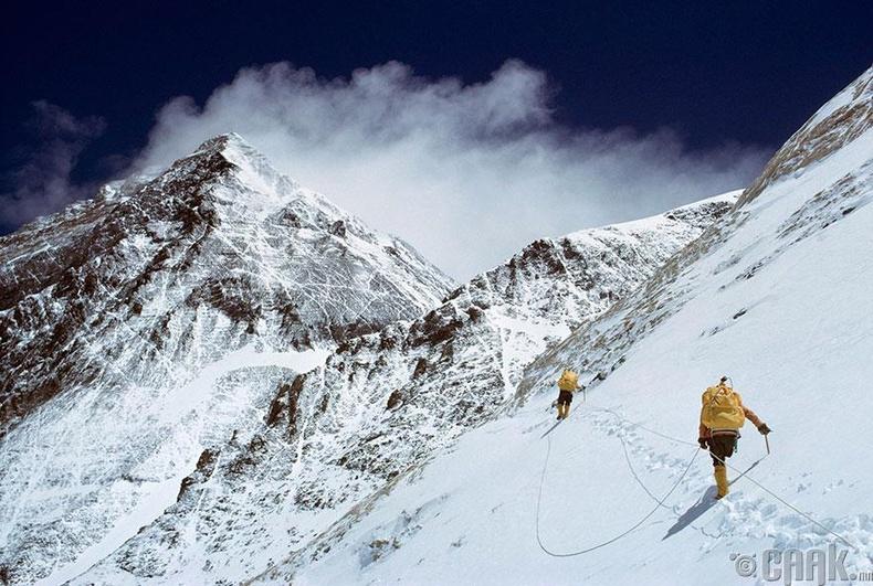 Эверестийн ууланд авирах