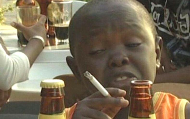 """Африкийн """"архи уултын тэмцээн""""-ий аварга болсон 11 настай хүү нас баржээ"""